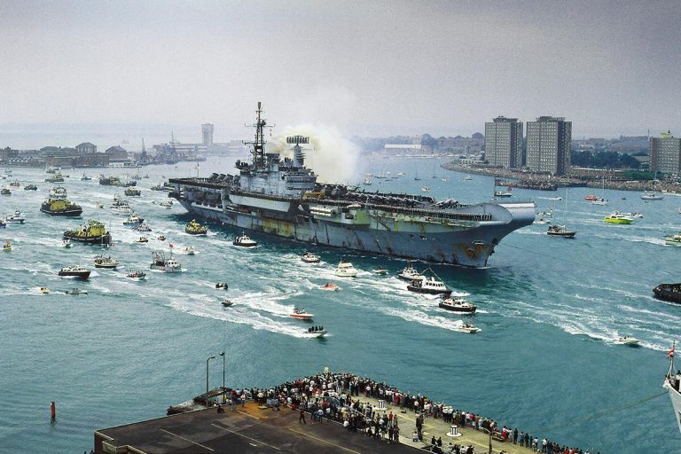 HMS Hermes returning to Portsmouth in 1982 to a hero's welcome | Falklands Maritime Heritage Trust (FMHT)